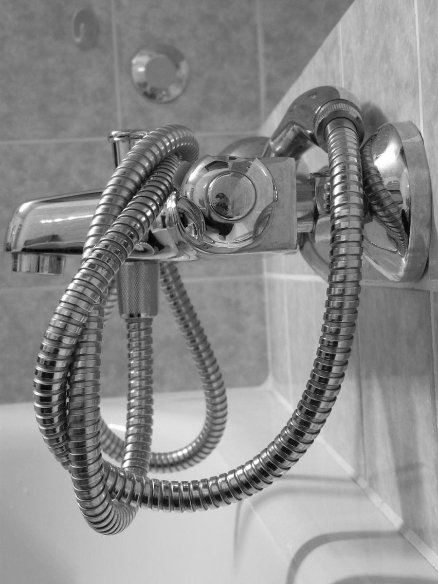 ביוב במקלחת